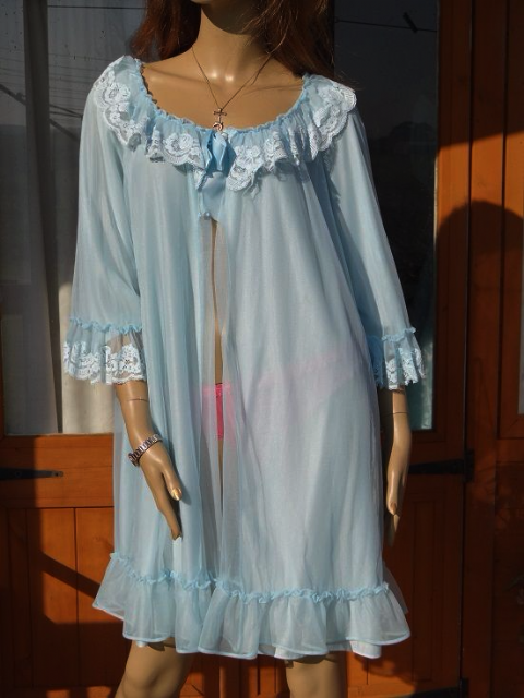 "GENUINE VINTAGE ""CHARNOS"" DOUBLE LAYER NYLON NEGLIGEE - SIZE:-WX  #469"
